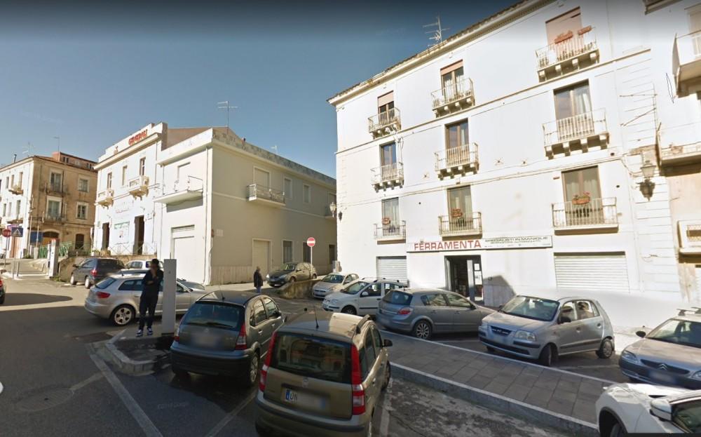 1 locali Magazzino For Vendita in Catanzaro,  - 1