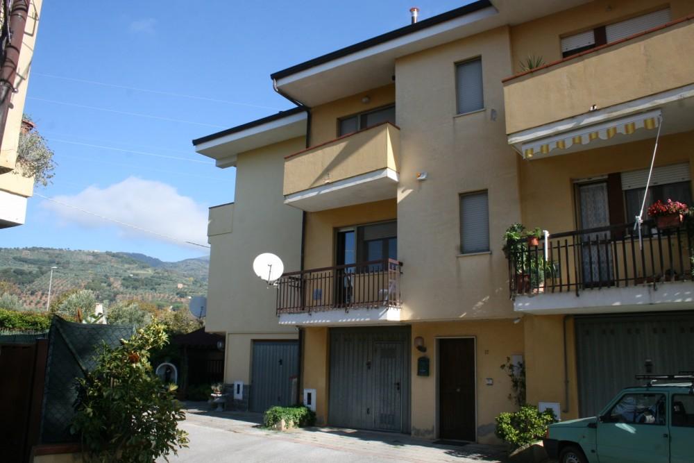 5 locali Villa For Vendita in Catanzaro,  - 1