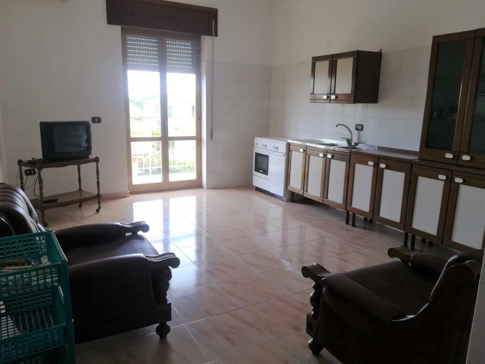 4 locali Appartamento For Vendita in Catanzaro,  - 1