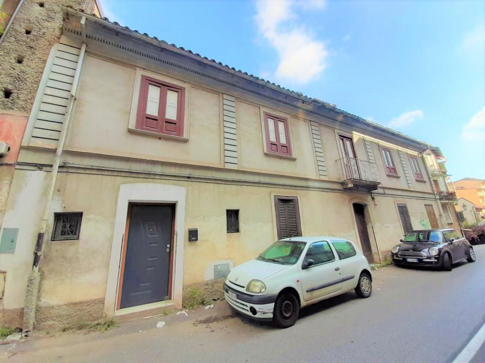 2 locali Rustici/Cascine/Case For Vendita in Catanzaro,  - 1