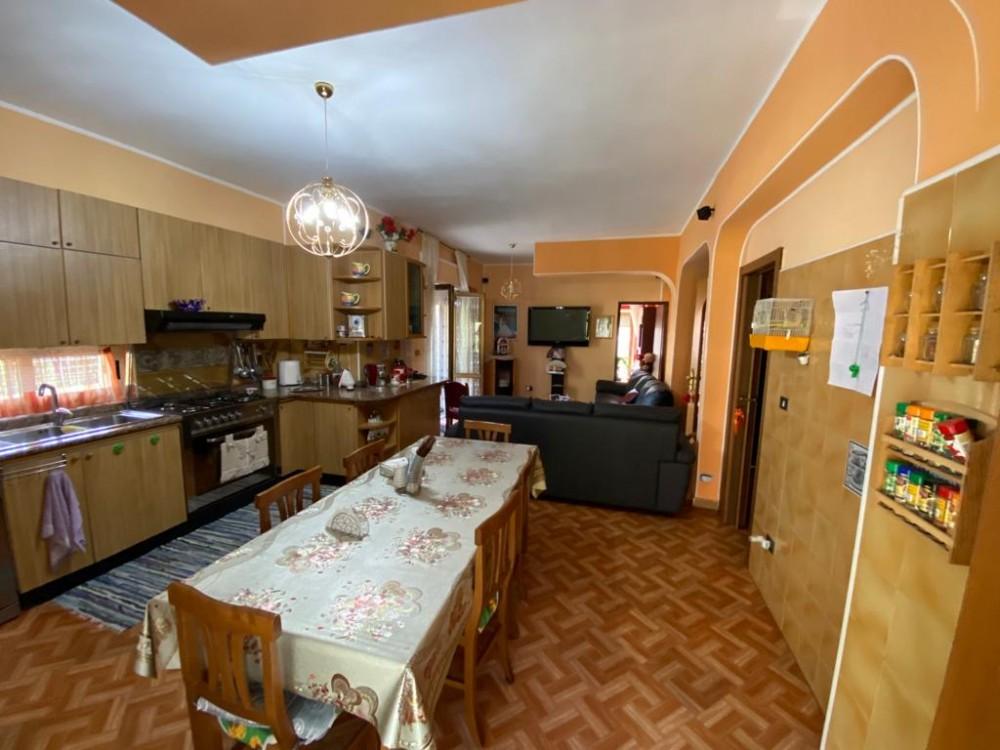5 locali Appartamento For Vendita in Catanzaro,  - 1